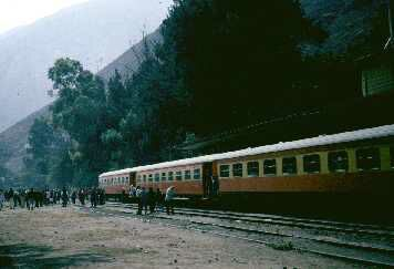 Picture of the highest train in the world, Peru