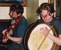 Two musicians from the Dublin Musical Pub Crawl